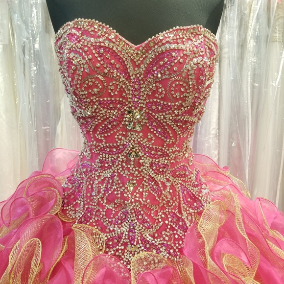 ruffled organza quinceanera dress,ruffled skirt quinceanera dress,fuchsia quinceanera dress,crystal quinceanera dress,beaded top quinceanera dress,organza quinceanera dress,quinceanera dress discount prices,