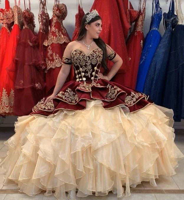 ruffled organza quinceanera dress,quinceanera dress with embroidery,modern mexican quinceanera dress,mexican themed quinceanera dress,detachable sleeves quinceanera dress,burgundy and gold quinceanera dress,velvet quinceanera dress,