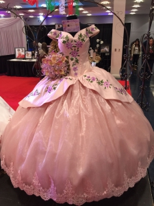 Mexican Style Pale Pink Off Shouler Embroidery Quinceanera Dress Satin and Organza