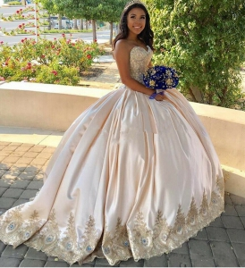 Luxury Gold Lace Sweet 16 Quinceanera Dress Crystals Plus Size with Satin Train