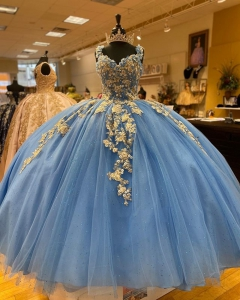 Light Blue Sequined Beaded Puffy Quinceanera Dress With Gold Applique vestido de 15 anos