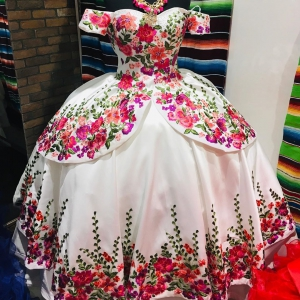 Charro Themed Floral Satin vestidos de 15 anos Embroidery Quinceanera Dress Off the Shoulder Short Sleeve