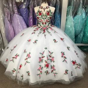 Vestidos de 15 anos New Floral Quinceanera Dress Halter Neck debutante Embroidery