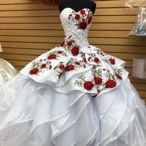 Mexico Customize White Ruffled Quinceanera Dress with Red Rose Floral Embroidery