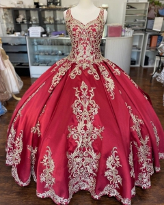 Elegant 2021 Red and Gold Floral Lace Quinceanera Dress with Straps