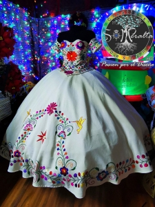 Traditional Mexican Style Floral Embroidery Quinceanera Dress Short Sleeves